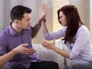 失去信任的婚姻很累 当夫妻缺乏信任怎么办 如何解决婚姻信任危机